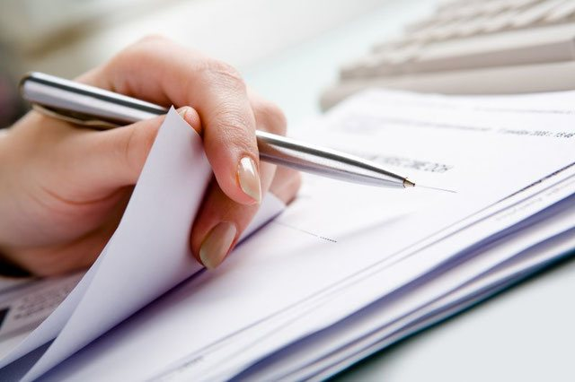 What documents are needed for a divorce in Romania